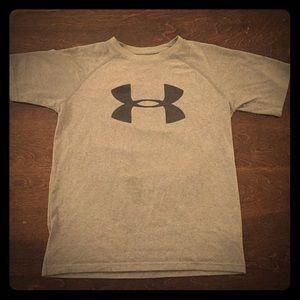 Under armour grey boys t shirt Youth medium